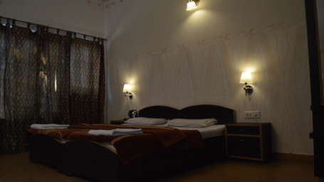 Hotel Hill Top Swiss Cottage, Rishikesh Rishikesh Superior Room Hotel Hill Top Swiss Cottage Rishikesh 4