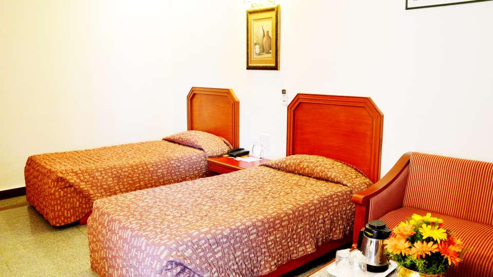 Hotel Chalukya, Bangalore Bangalore Deluxe Room Hotel Chalukya Bangalore 3