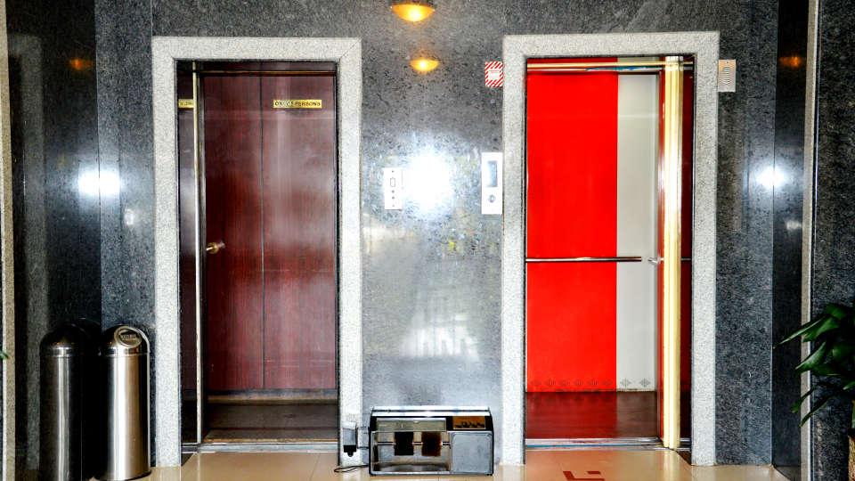 Hotel Chalukya, Bangalore Bangalore Elevator Hotel Chalukya Bangalore
