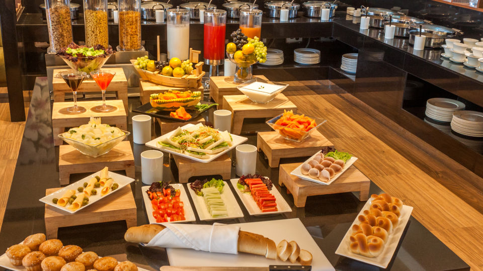 breakfast buffet The Muse Sarovar Portico Kapashera New Delhi