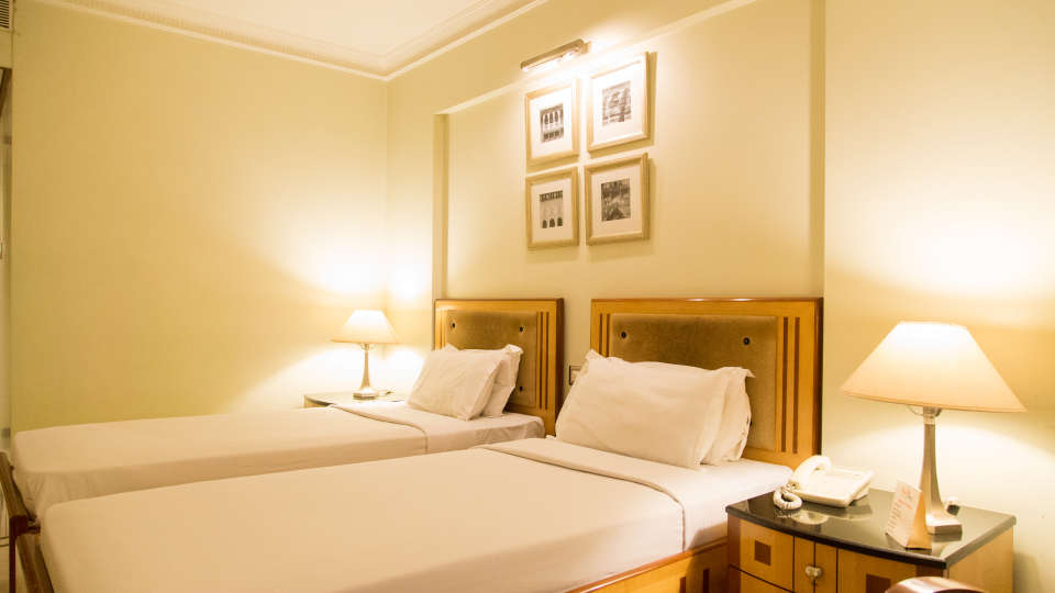 Deluxe Rooms in Ahmedabad, Hotel rooms in Ahmedabad, Rooms in Ahemdabad, Hotel Saroavar Ahmedabad