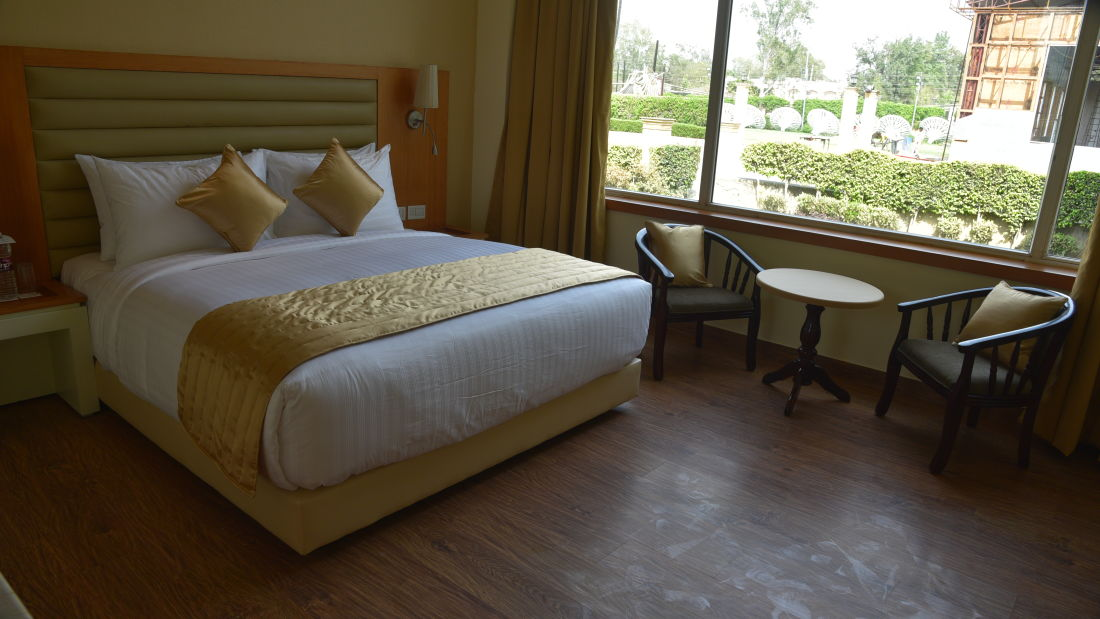 Deluxe Rooms at OPULENT HOTEL BY FERNS N PETALS, Rooms In New Delhi,Deluxe Rooms In Delhi 1