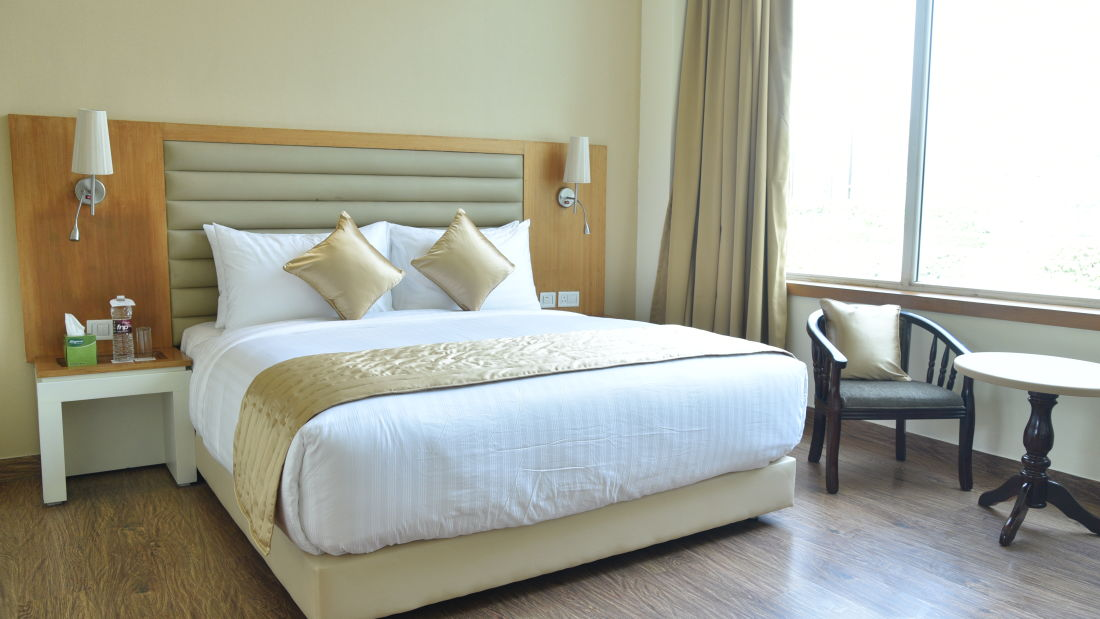 Deluxe Rooms at OPULENT HOTEL BY FERNS N PETALS, Rooms In New Delhi,Deluxe Rooms In Delhi 4