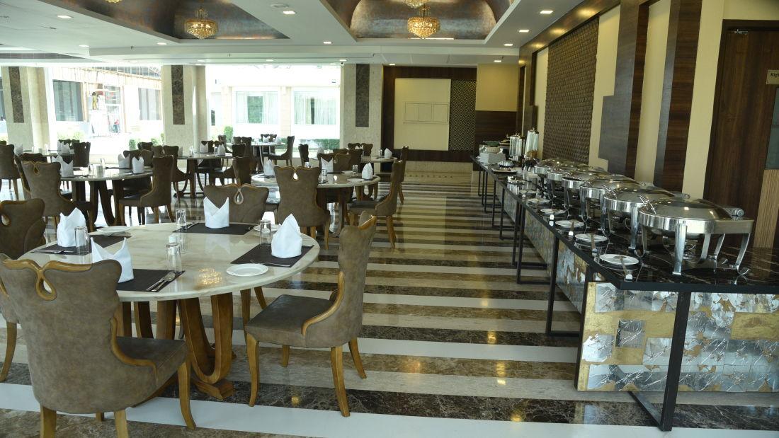 Restaurant in Delhi, U Kitchen at OPULENT HOTEL BY FERNS N PETALS, Dine In Delhi 0655