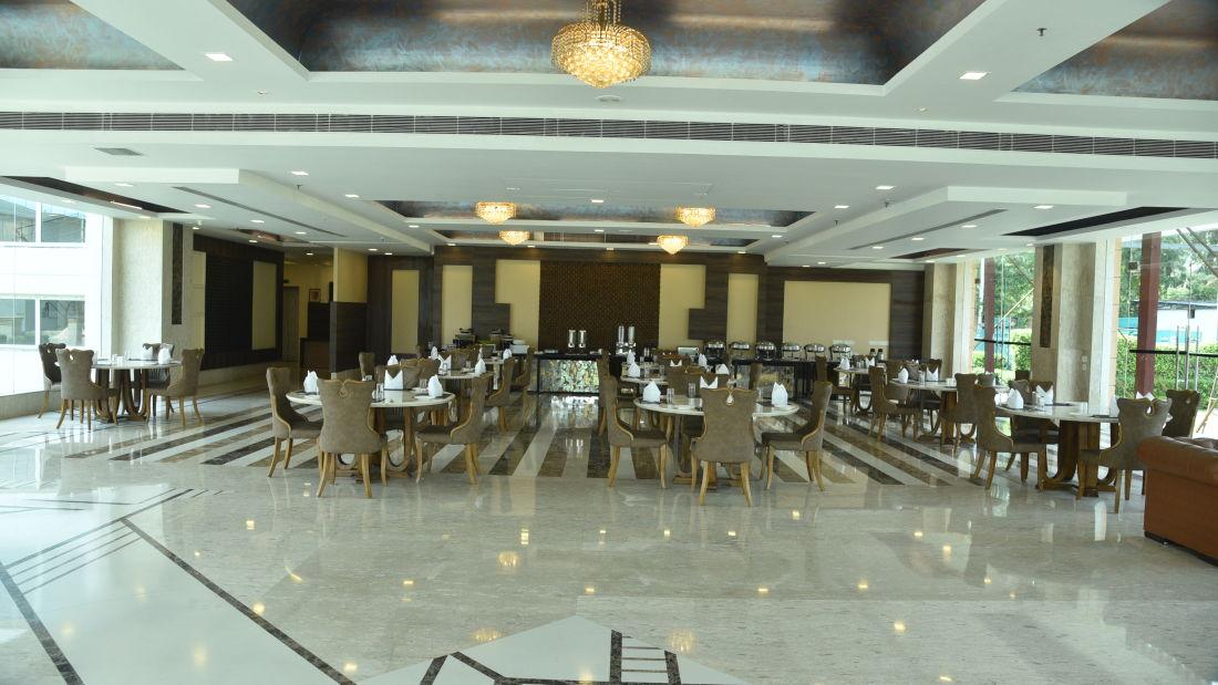 Restaurant in Delhi, U Kitchen at OPULENT HOTEL BY FERNS N PETALS, Dine In Delhi 0655 44
