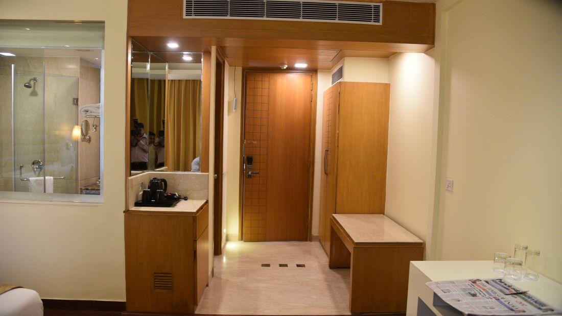 Suites in Delhi, OPULENT HOTEL BY FERNS N PETALS, Stay In Delhi 1