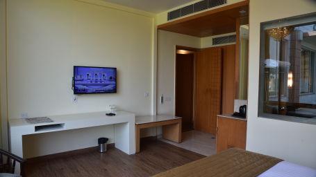 Superior Rooms at OPULENT HOTEL BY FERNS N PETALS, Rooms in Delhi , Stay In Delhi 3