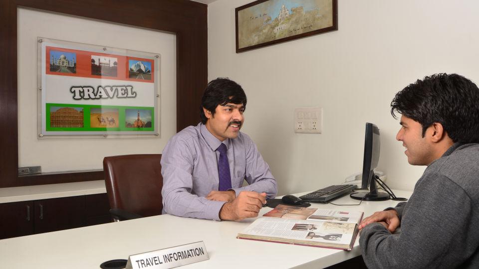 Travel Desk at Le ROI Delhi Hotel Paharganj
