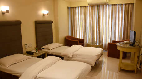 Deluxe Rooms at Kohinoor Highway - Dapoli Maharashtra 2