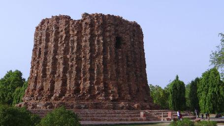 Monument, The Grand New Delhi, Monuments in Delhi