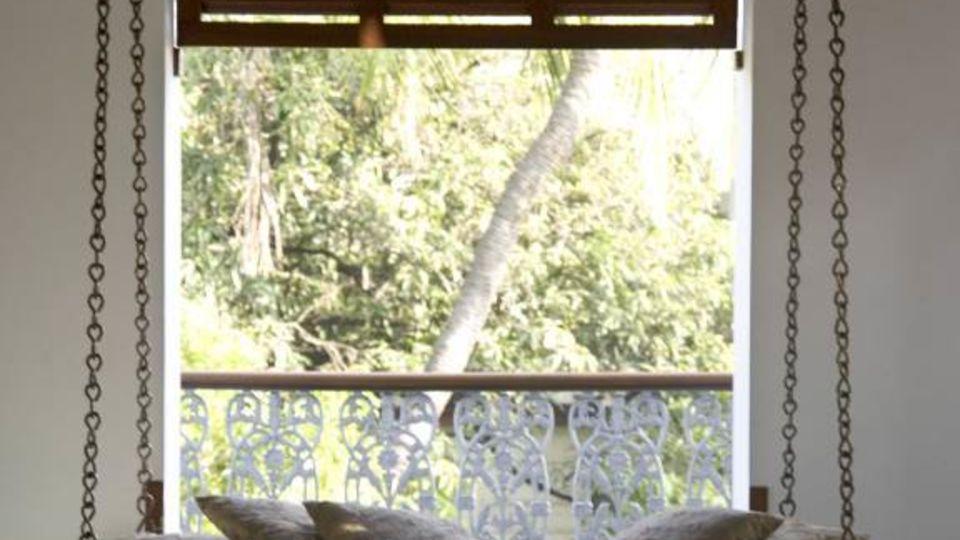 Facade at Hotel Le Dupliex Pondicherry 3