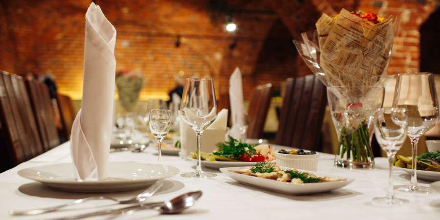 alt-text Dining at Sumi Yashshree Hotels and Resorts