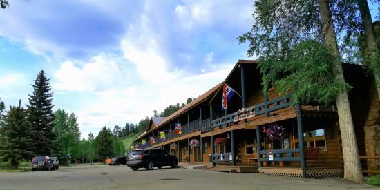 High Country Lodge and Cabins, Colorado, Hotel near Wolf Creek 3
