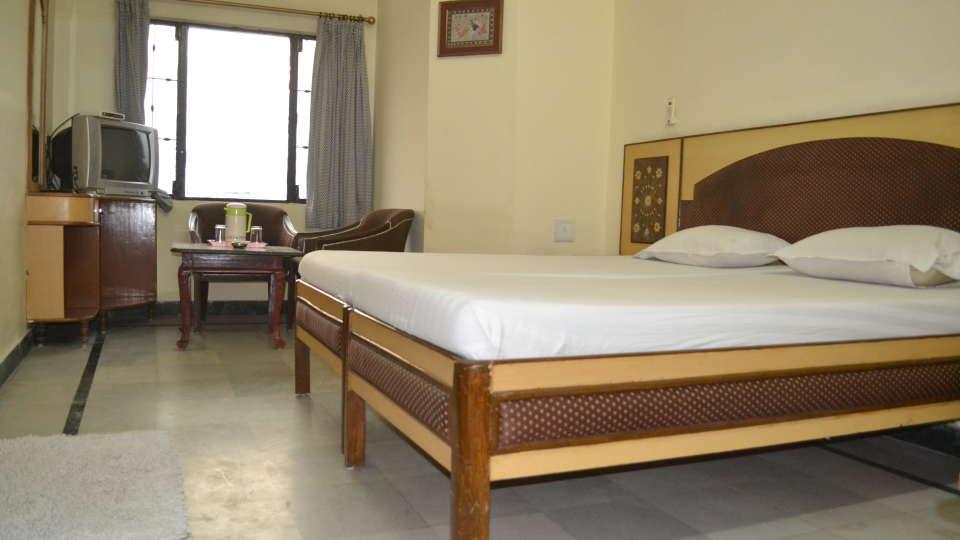 Hotel Taj Plaza Agra Deluxe Room Hotel Taj Plaza Agra 9