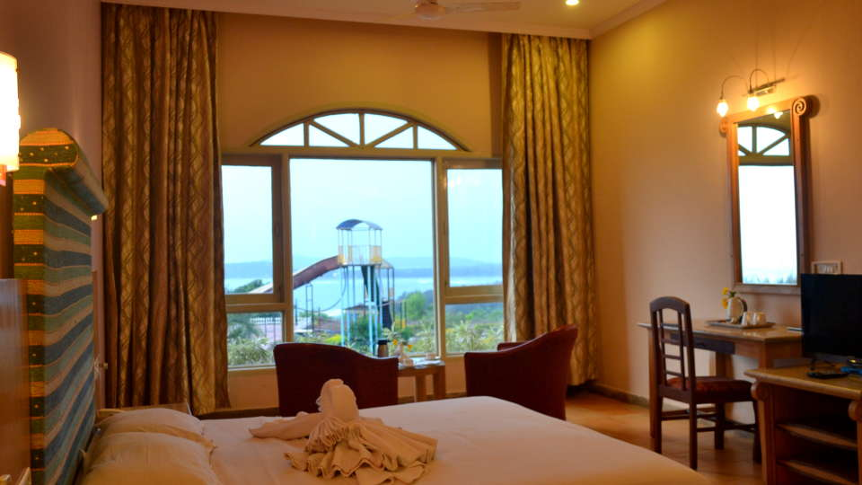 Executive Superior Rooms Kohinoor Samudra Ratnagiri 23