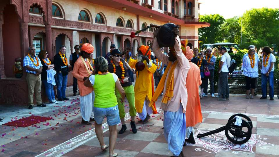 Umaid Lake Palace Dausa  Traditional Welcome on arrival with Folk Musicians 4
