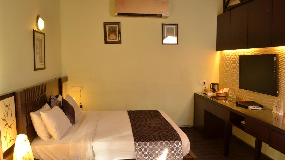 Leopard Deluxe Rooms at Corbett Wild Iris Ramnagar 3