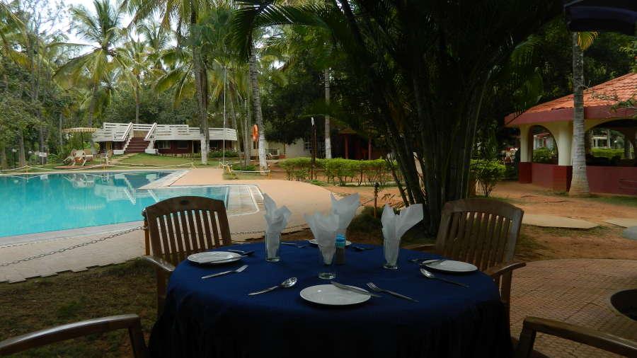 Fantasy Golf Resort Bangalore Poolside Garden at Fantasy Golf Resort Bangalore