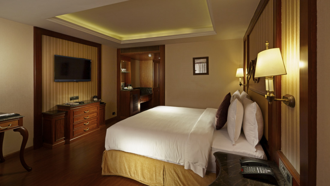 Deluxe Rooms in Chennai Hablis Hotel Chennai 1