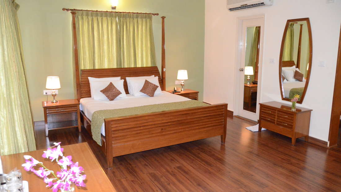 Executive Suite Trinity Suites Ulsoor Bangalore3 4
