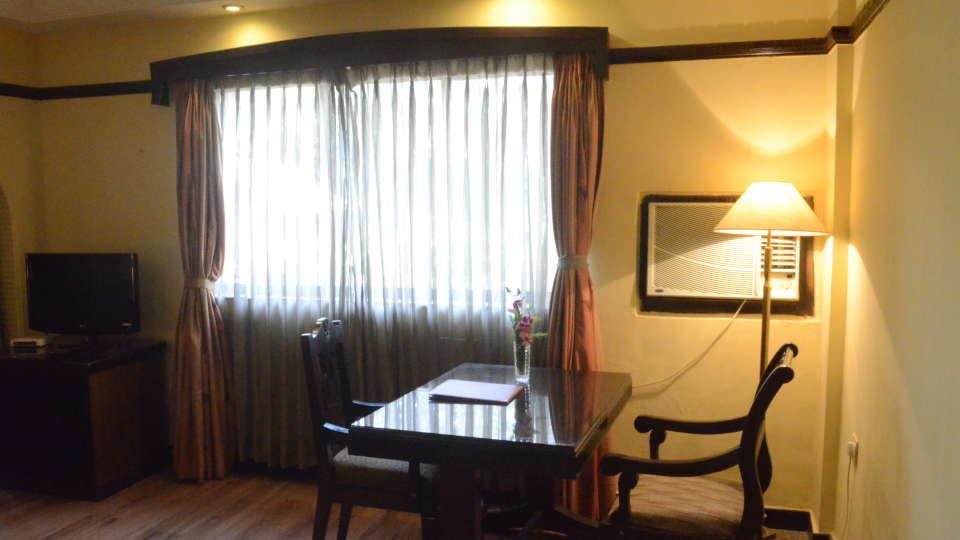 Lytton Hotel, Kolkatta Kolkata Suite Lytton Hotel Kolkata 11