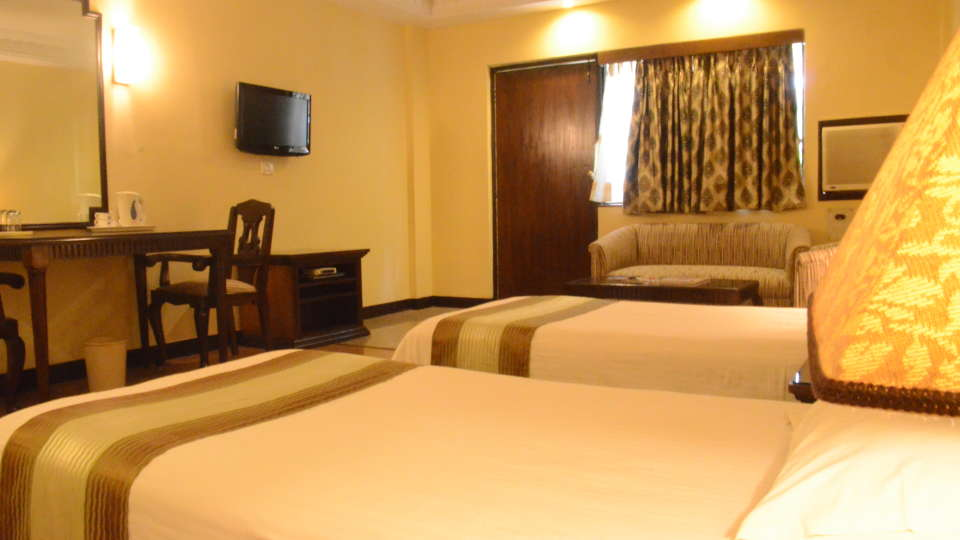 Lytton Hotel, Kolkatta Kolkata Suite Lytton Hotel Kolkata 2