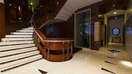 Lobby, Hotel Aura Paharganj New Delhi, Hotels in New Delhi 4