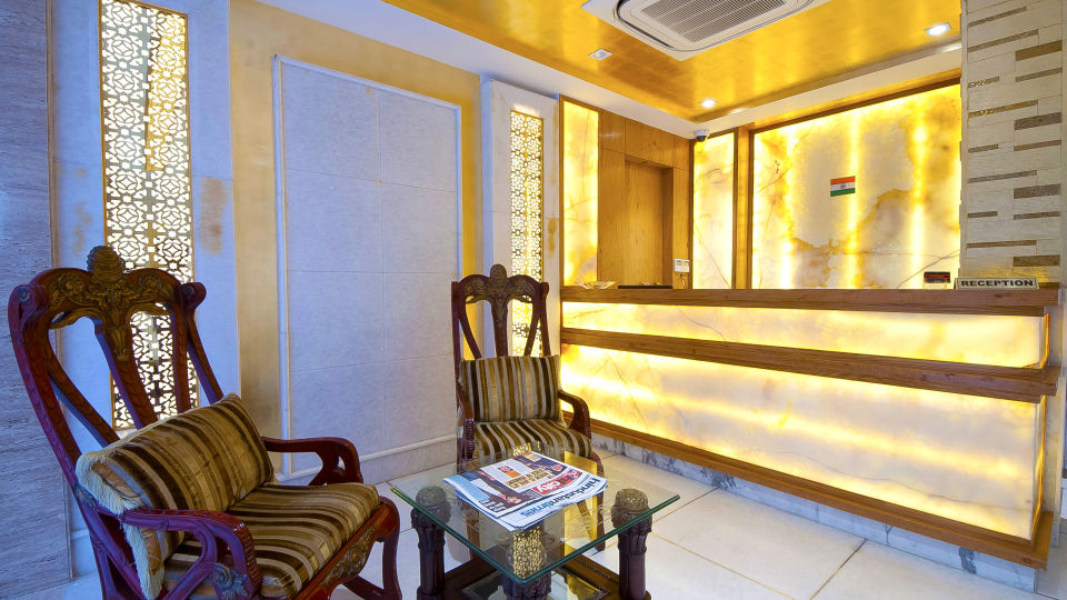 Hotel Swaran Palace, Karol Bagh, New Delhi New Delhi lobby old Hotel Swaran Palace Karol Bagh New Delhi