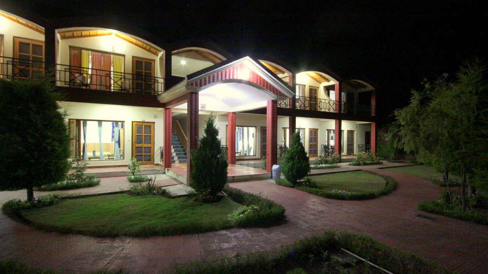 Ojaswi Resort Chaukori Chaukori Night View of Ojaswi Hotel and Resort in Chaukori