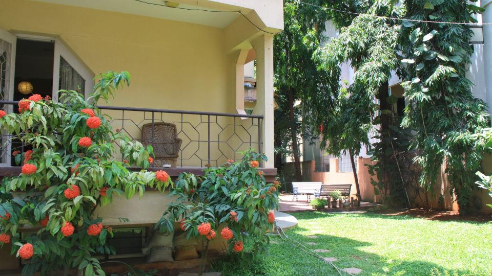 Casa Cottage Hotel, Bangalore Bangalore Casa Apartment - Richmond Town - Student Accomodation - Furnished apartment to rent - Balconey