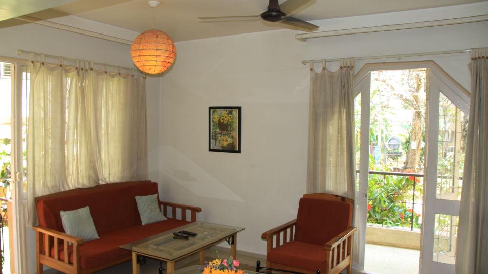 Casa Cottage Hotel, Bangalore Bangalore Casa Apartment - Richmond Town - Student Accomodation - Furnished apartment to rent - Living Room