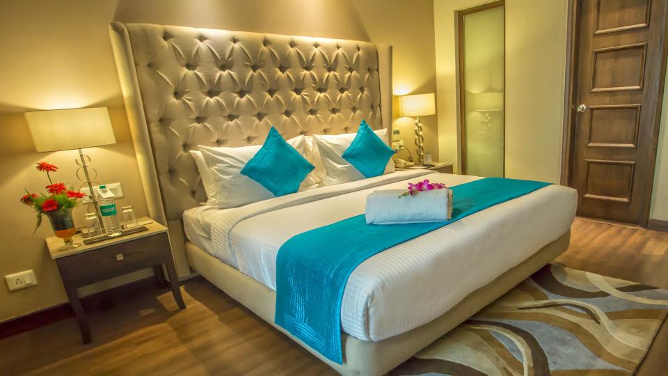Deluxe Room Sarovar Portico Jalandhar