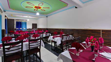Hotel Vikrant Inn, Manali Manali RESTAURANT Hotel Vikrant Inn Manali 2