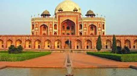 Aura Boutique Hotels  humayuns tomb