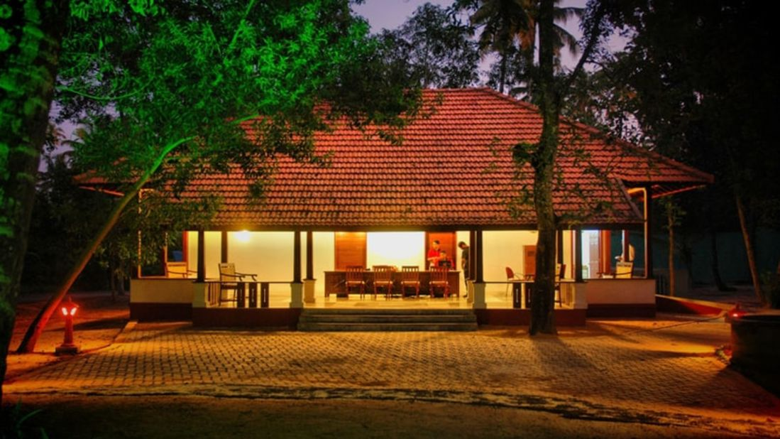 abad-turtle-cottage-night-view, Contact Beach Resort in Marari, Beach resorts in Allepey, 4 Star Resorts in Alleppey, Best Beach Resorts in Alleppey, Best Beach Resorts Near Cochin, Beach Resorts in Kerala