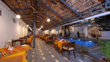 Restaurant-in-Dutch-Bungalow
