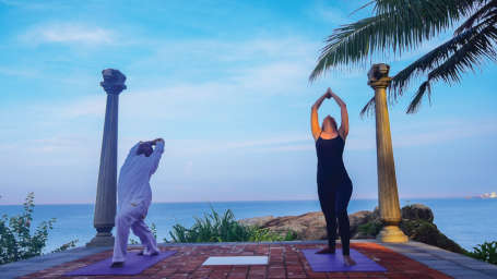 Yoga Ayurveda By Niraamaya 7 14 Nights Neeramaya Retreats Surya Samudra Kovalam Resort