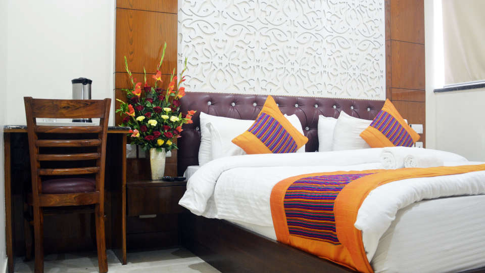 Hotel Trinity Corporate Suites, Sector 21, Gurgaon Gurgaon Club Room Hotel Trinity Corporate Suites Sector 21 Gurgaon 3