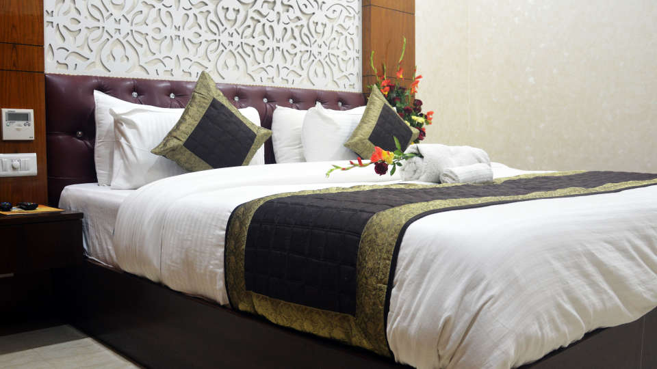 Hotel Trinity Corporate Suites, Sector 21, Gurgaon Gurgaon Club Room Hotel Trinity Corporate Suites Sector 21 Gurgaon 5