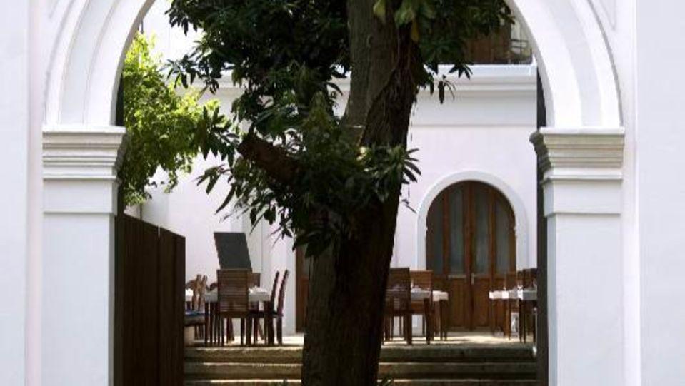Facade , Hotel Le Dupliex Pondicherry, best pondicherry hotels 2