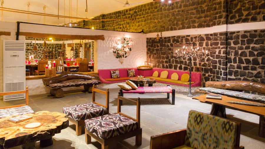 Lobby Sitting Area, Rosa Bandhavgarh Meadows Tiger Safari Lodge 6