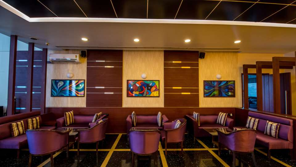 Bar In Pune,  The Orchid Hotel, Best Pune Hotels 8