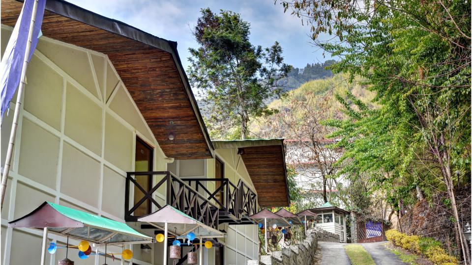 Facade at Summit Norling Resort 12