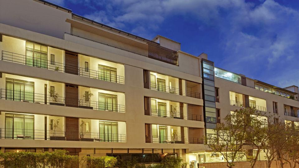 1Hotel facade 01