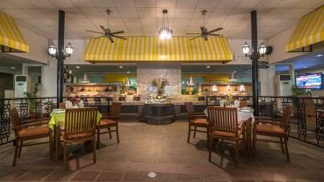 courtyard-restaurant-evoma-bangalore-1