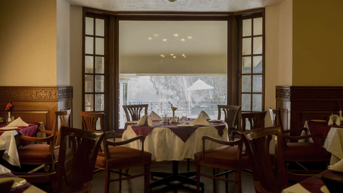 The Silver Oak Restaurant, Restaurant in Kodaikanal, The Carlton, 5 Star hotel in Kodaikanal 2