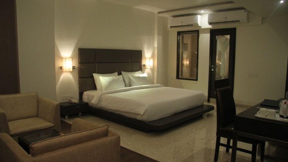 T2 Beacon Hotel in Mumbai Airport Hotel Suite Room