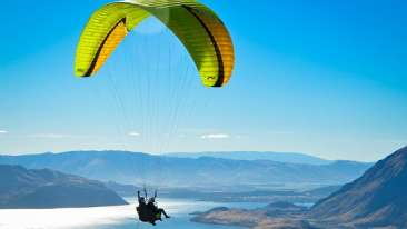 paragliding-with-stunning