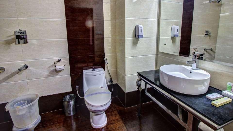 Sandhya Resort and Spa Manali Luxury Room Sandhya Resort and Spa Manali 11
