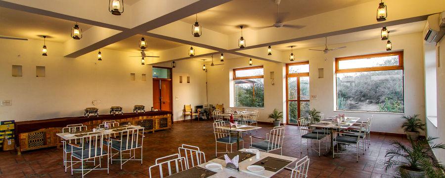 alt-text Dining in Jawai Bandh